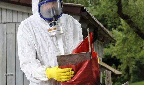 Qui peut réaliser un (RAT) repérage de l'amiante avant certaines opérations réalisées dans les immeubles bâtis ?